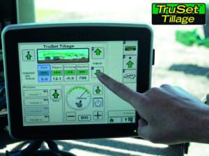 JOHN DEERE: Sistema di controllo  delle attrezzature TruSet
