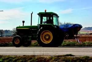 All'inizio degli anni '90, Unima può far valere la specificità di macchine agricole e contoterzisti, nella redazione del nuovo codice della strada.