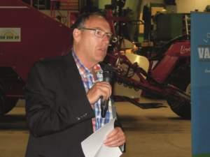 Kees Van Dun durante la sua presentazione ai rappresentanti della Ceettar.