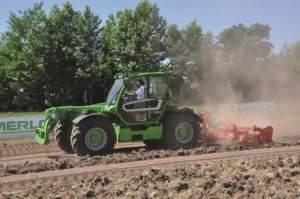 Durante le prove in campo le macchine Merlo hanno mostrato di poter essere all'altezza di un trattore quando sfruttate per la lavorazione del terreno.
