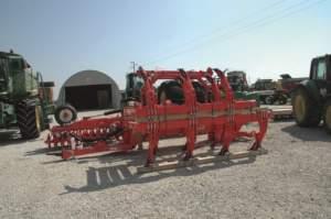 Il nuovo coltivatore della Maschio, acquistato appositamente per lavorare con il maxi cingolato 9 Rx.