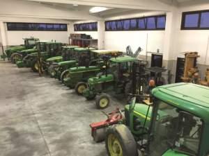 Punto di forza dell'azienda Turco sono sette trattori John Deere.