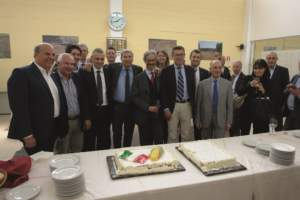 Mario Vigo (al centro) con i partner del progetto (Cifo, Deutz-Fahr, Istituto di Agronomia Università di Torino, Kuhn, Molino F.lli Martini, Netafim, Syngenta, Unimer).